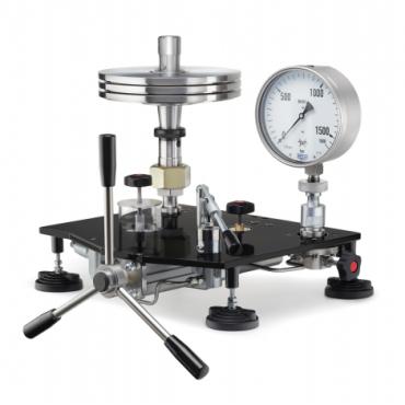 Устройство УСД-2500,-4000,-7000 для создания высокого давления